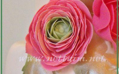 עוגת חתונה  עם פרחי אביב